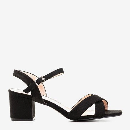 Черные босоножки на низком каблуке от Jonila - Обувь