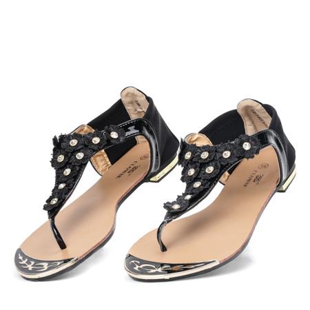 Czarne sandały w formie japonek Myra- Obuwie