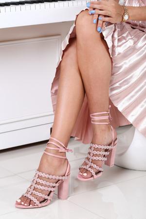 Różowe sandały na słupku Kehlani- Obuwie