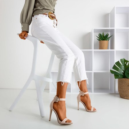 Бежеві босоніжки на високому каблуці Suella - Взуття 1