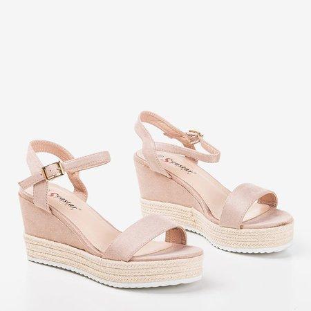 Бежеві жіночі босоніжки на клині Zitta - Взуття 1