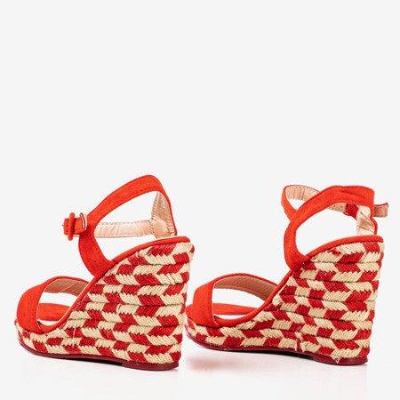 Босоніжки на танкетці червоні Porcissa - Взуття
