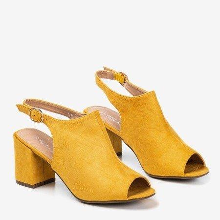 Жовті жіночі босоніжки на верхній стійці Vikash - Взуття