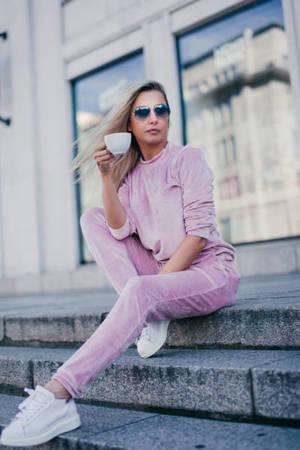 Жіночий комплект рожевих спортивних костюмів - Одяг