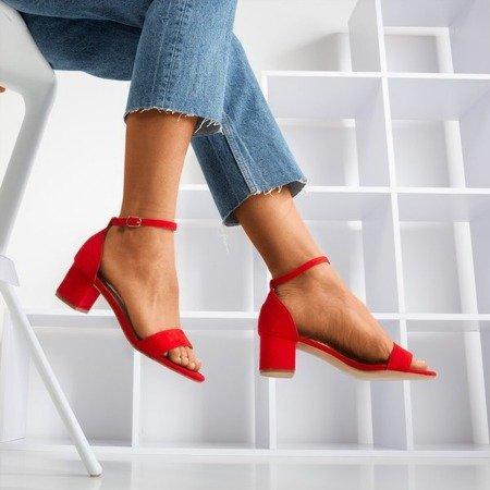 Жіночі червоні босоніжки на низькій пості First Love - Взуття