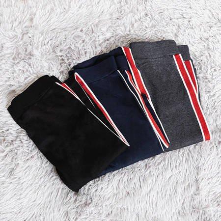 Жіночі чорні лосини в смужку - Одяг