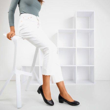Жіночі чорні туфлі на підборах Suranttes - Взуття
