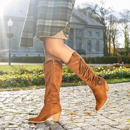Коричневі жіночі черевики на підборах з бахромою - взуття