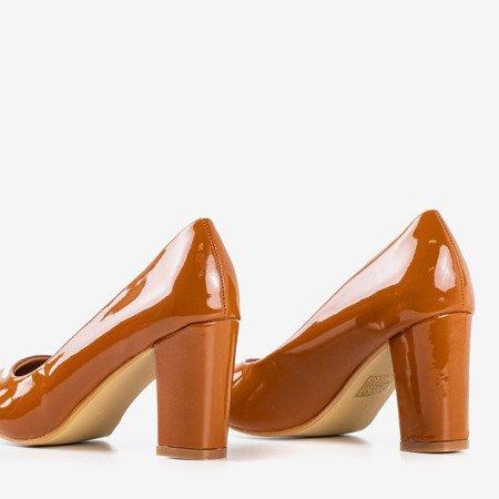 Насоси з коричневим лаком на посаді Вотоллі - Взуття 1