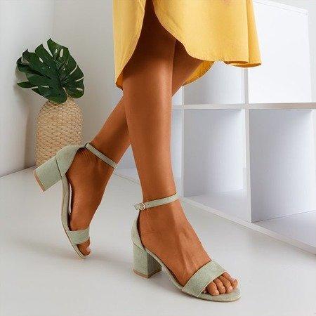 Світло-зелені босоніжки на низьких підборах від Sandena - Взуття