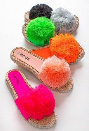 Світло-рожеві шльопанці з пензликом Talvika - Взуття 1