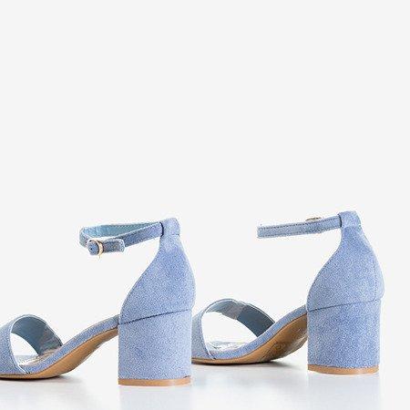 Сині босоніжки на низьких підборах від Sandena - Взуття
