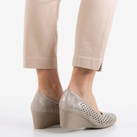 Срібні підбори на танкетці з ажурною обробкою Polia - Взуття