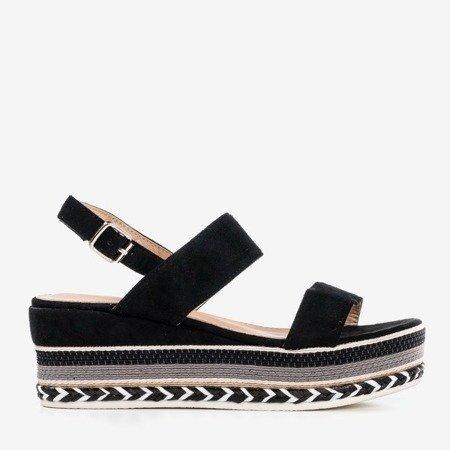 Чорні босоніжки на танкетці Colissa - Взуття 1