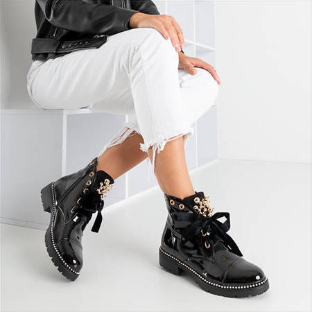 Чорні лаковані сумки з орнаментом Вінкека - Взуття