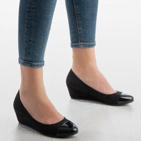 Чорні насоси на каблуці Adriana клин - Взуття 1