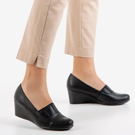 Чорні танкетки Марани - Взуття