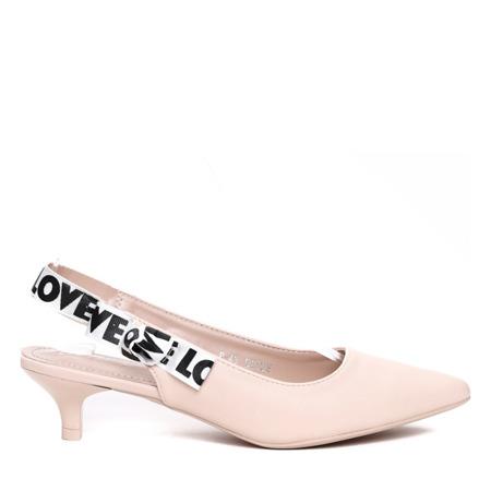 Beżowe sandałki na niskiej szpilce - Obuwie