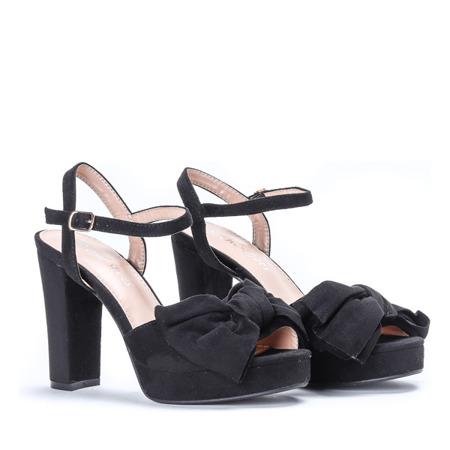 Czarne sandałki na słupku Elianna- Obuwie