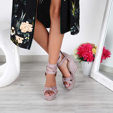 Fioletowe sandały na koturnie Matilda- Obuwie